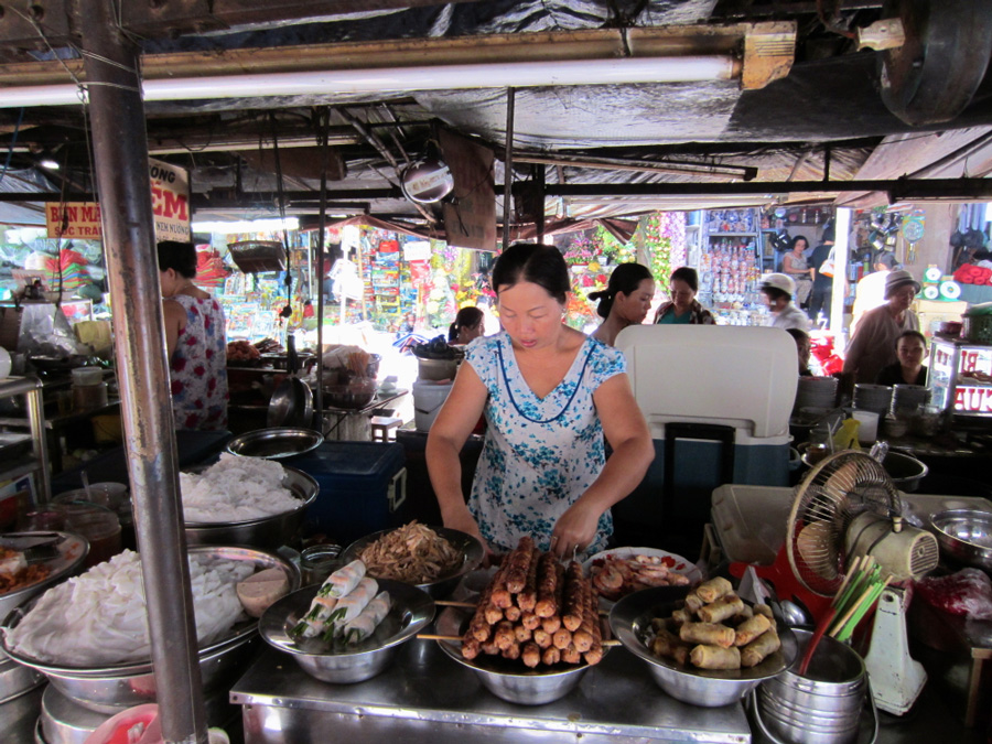 Street food vendor vinh long vietnam mekong delta