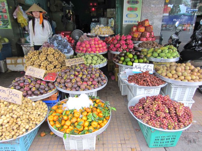 Vietnamese Tropical Fruit (and how to eat it) - IFOTC