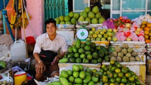 How Cheap is it to live in Vietnam? An Thoi, Phu Quoc, Vietnam Fruit vendor