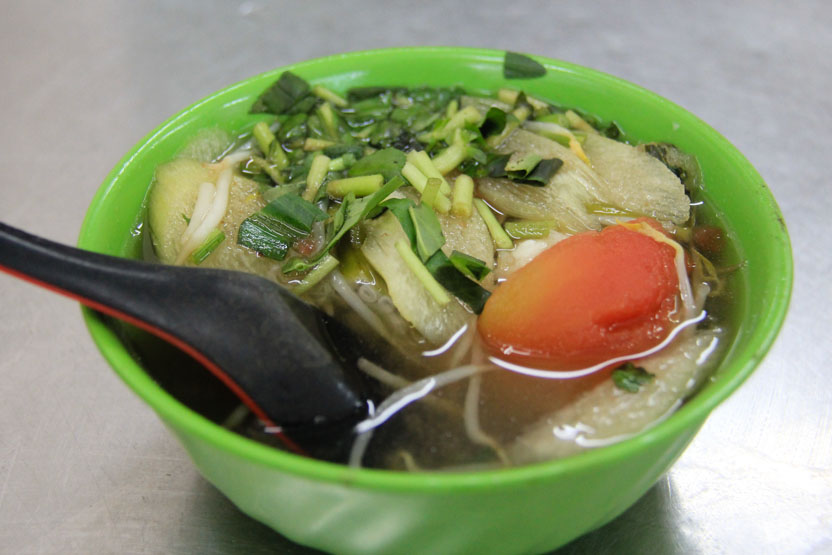 Soups in Vietnam that aren't pho - canh chua